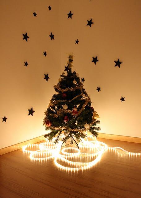 Mini rboles de navidad para decorar casa for Arboles para espacios pequenos