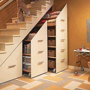 Muebles bajo la escalera for Muebles bajo escalera fotos