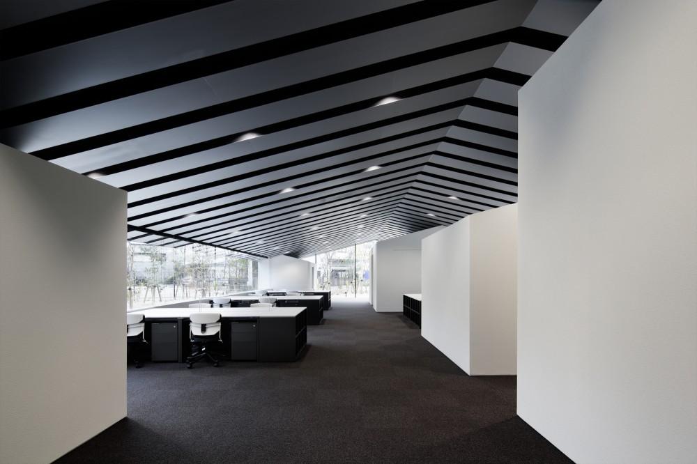 Moderna oficina en jap n for Interior de oficina