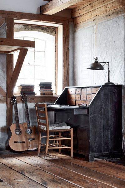 Decoracion rustica con guitarras 1