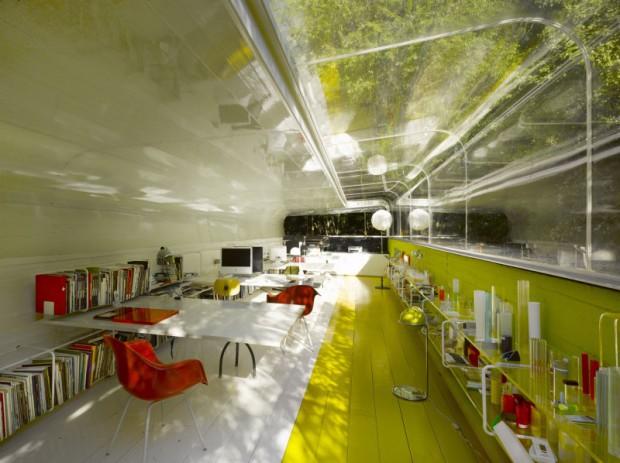 Oficinas bajo los árboles interior