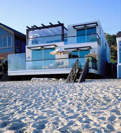 C mo decorar reformar asegurar una casa de playa moderna for Casa moderno kl