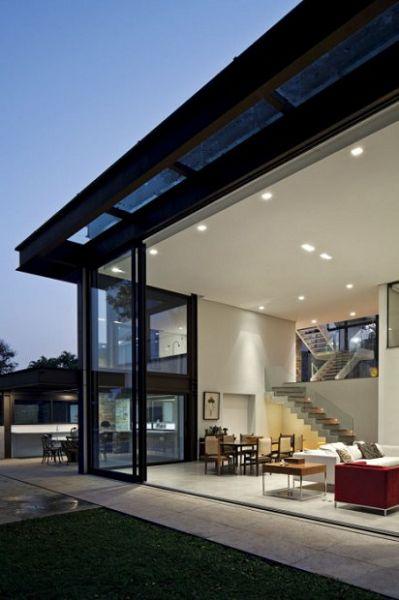 Moderna Casa Brasilera fachada