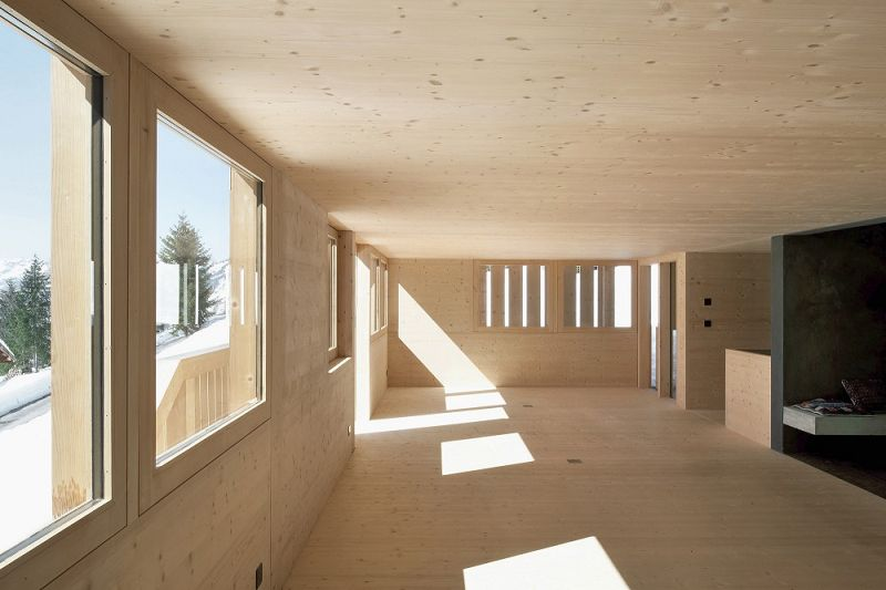 casa en les diablerets moderna casa de madera On interior de la casa de madera moderna