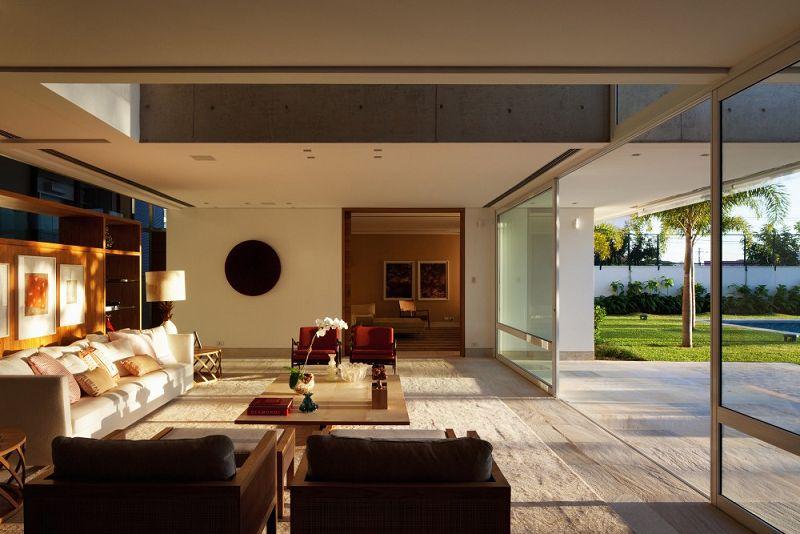 Viviendas modernas en brasil for Interiores de casas modernas de una planta
