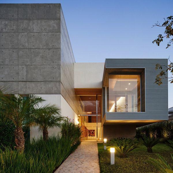 Viviendas modernas en brasil for Arquitectura de casas modernas de una planta