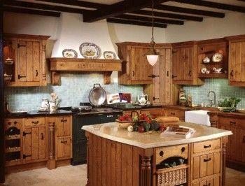 Aumentando el estilo en la cocina utilizando elementos decorativos.