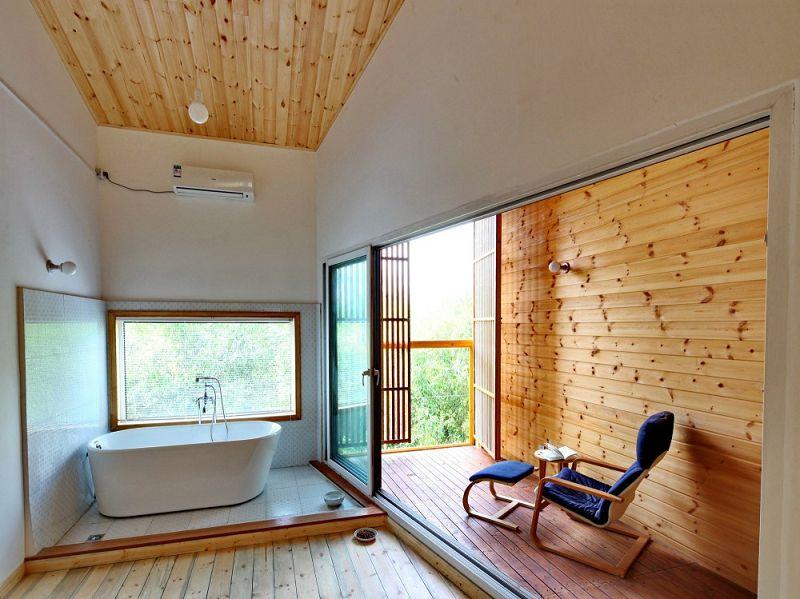 Casa w moderna casa de madera y ladrillo - Madera para techos interiores ...