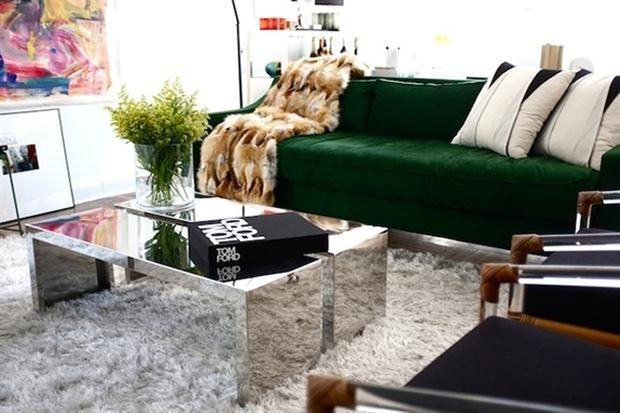Decoracion de salas con sofa verde 2