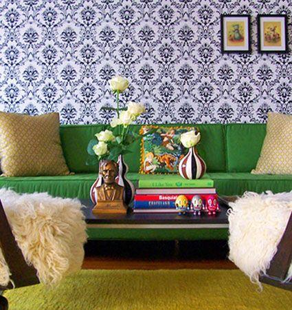 Decoracion de salas con sofa verde 3