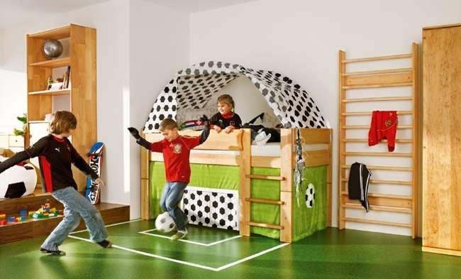 Dormitorio infantil tem tica futbol - Ideas para guardar juguetes en los dormitorio ...