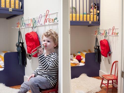 Dormitorio para niños en un armario 2