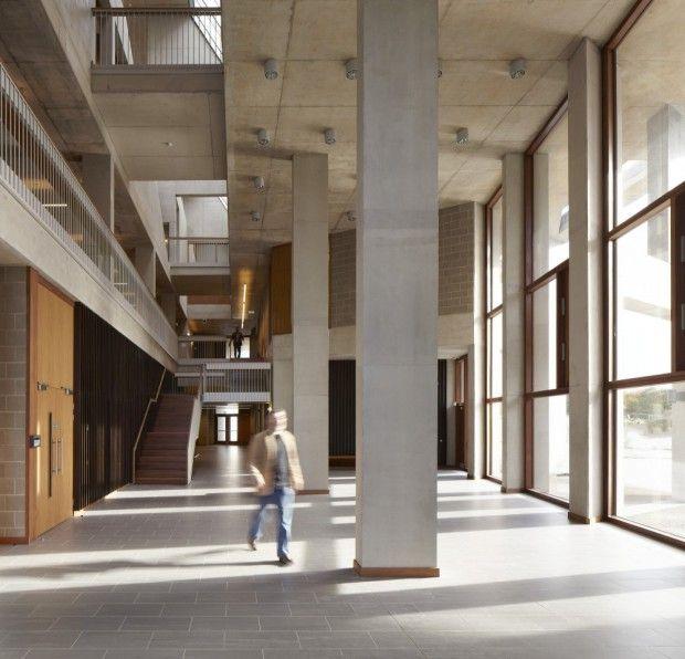 Moderna universidad de medicina interiores