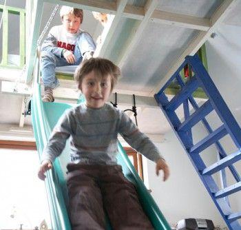 Un dormitorio infantil en la buhardilla 2
