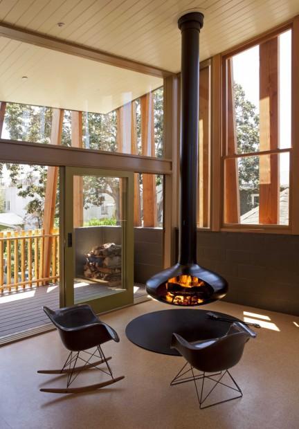 Moderna vivienda familiar chimenea