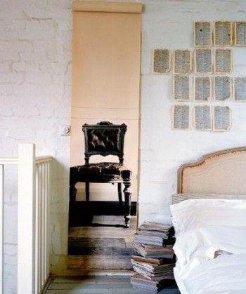 Muebles y accesorios vintage impresos en papel de paredes 1