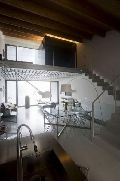 Three-Family Home interiores