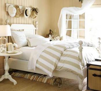 Decoracion de verano con colores blanco y beige