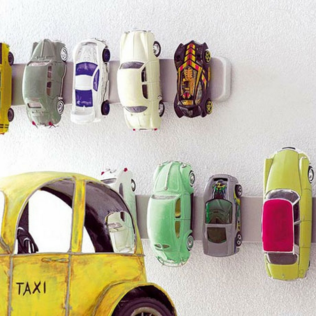 Decorar con coches de juguete