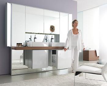 Utilizando espejos en la decoración del baño