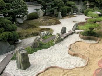 Como decorar un jardín seco