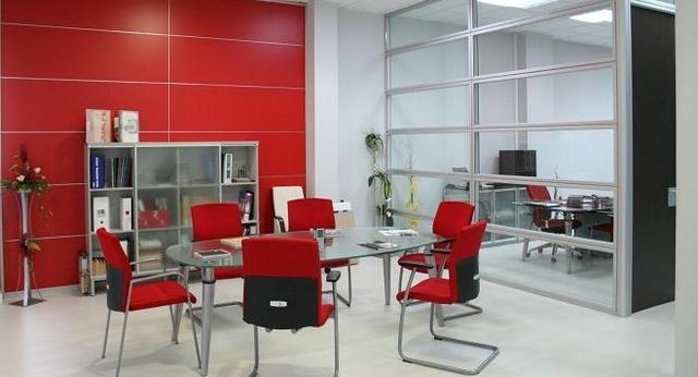 Decoracion de oficinas en rojo 3