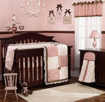 Decoracion en marron en dormitorios de bebes