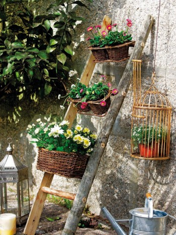 Decorar el jard n con escaleras for Como decorar mi jardin con piedras y plantas