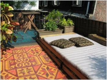 Decorar el jardin en verano con palets