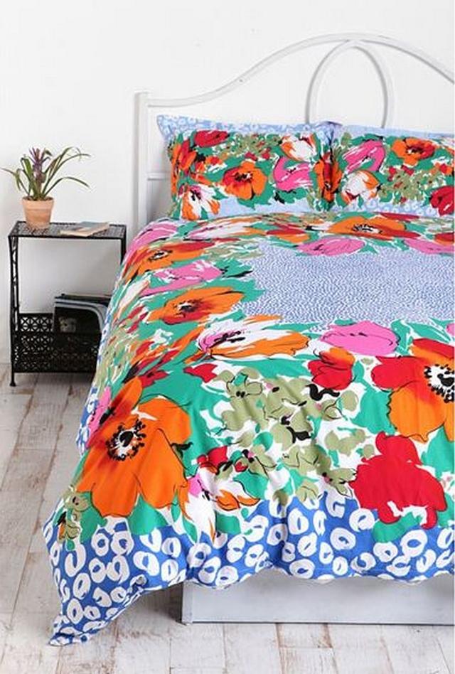 Textiles con estampados floreados en primavera - verano 2