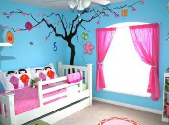 Decorar una ventana falsa en la habitacion de los niños
