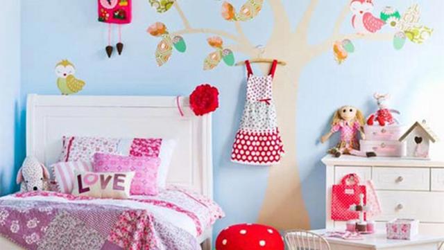 Casitas de pájaros para decorar dormitorios infantiles