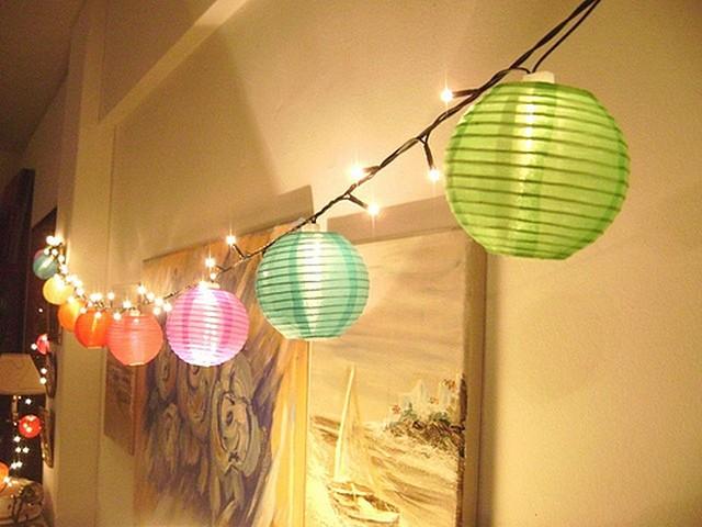Como hacer guirnaldas de lamparas para decorar 2