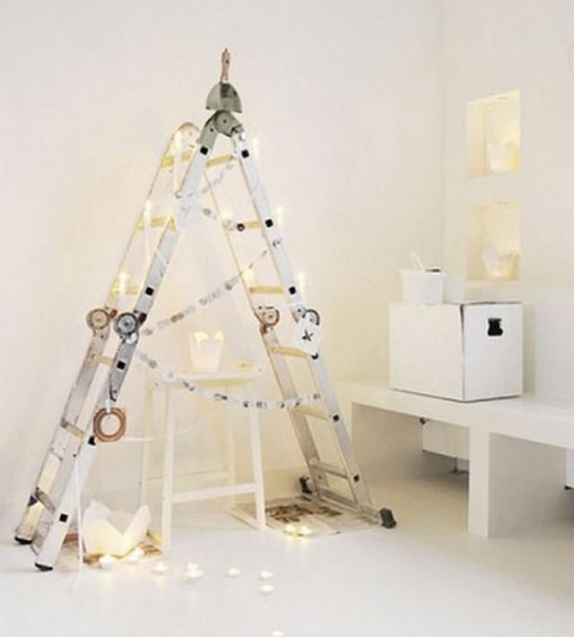 Decoracion de Navidad con escaleras viejas 2