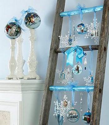 Decoracion de Navidad con escaleras viejas