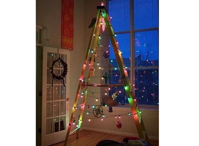 Decoracion de Navidad con escaleras viejas 6
