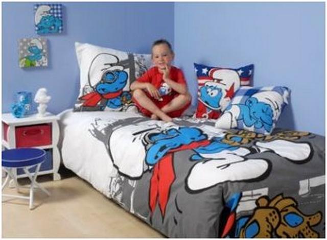 Decoracion de dormitorio infantil tematica Pitufo 1