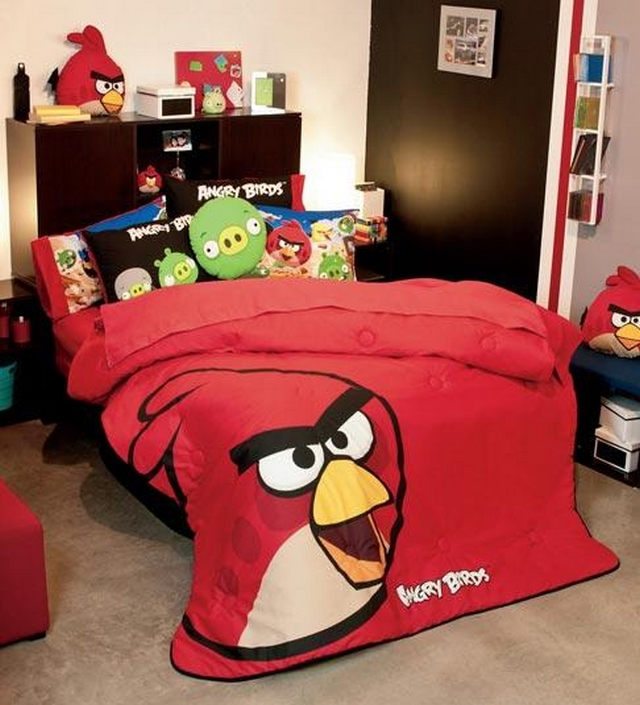 Decoracion dormitorio tematica Angry Birds 5