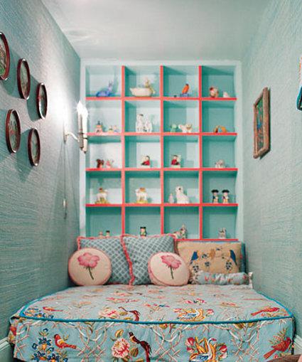 Decorar dormitorio estrecho, cómodo y práctico