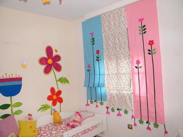 Dormitorio de niñas decorado con flores 4