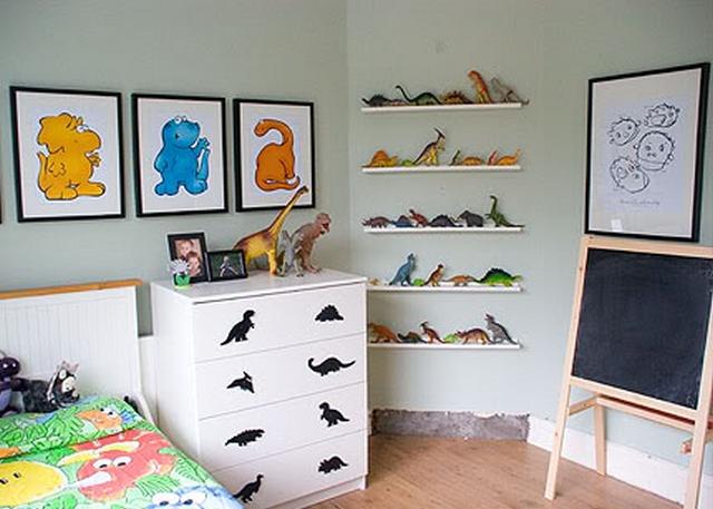 Decoración dormitorio infantil temática dinosaurio
