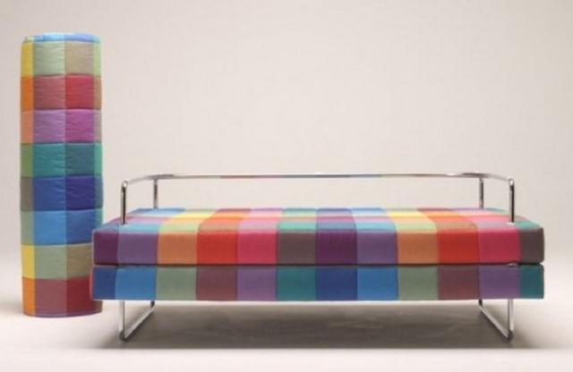 Ideas para decorar sala con sofa multicolor 4