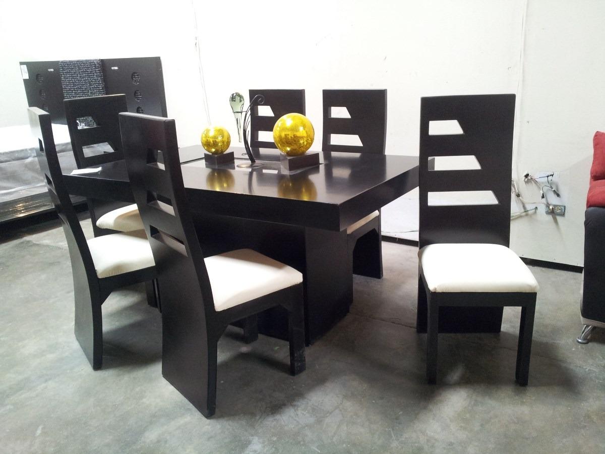 Muebles De Comedor Con La Mesa De Vidrio Y Sillas De Colores ...