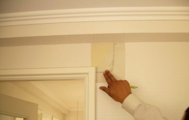Corrigiendo las grietas en paredes de yeso