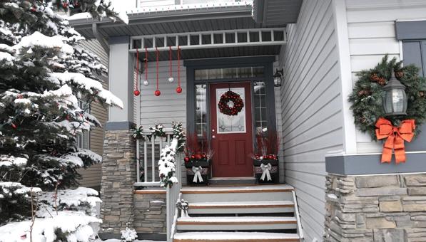 Decoración navideña en el exterior de la vivienda..