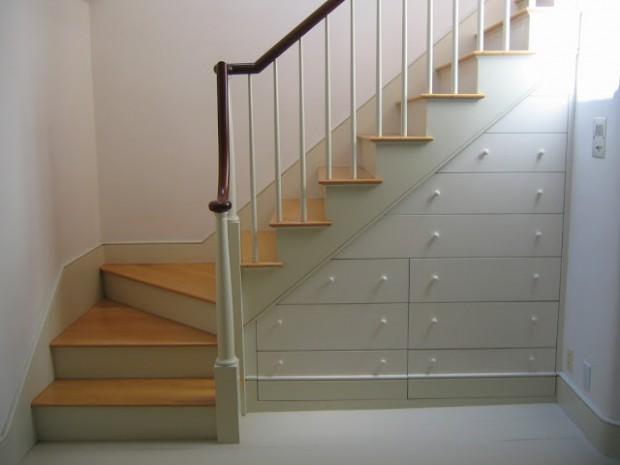 Trucos para decorar las escaleras del hogar