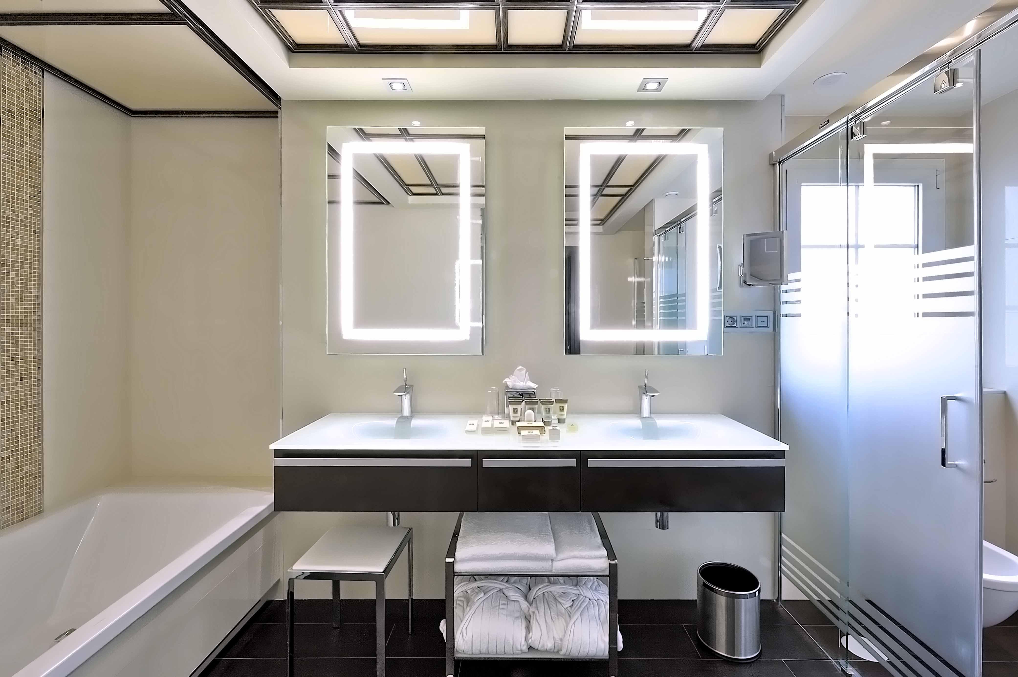 El uso del closet en el ba o for Modelos de cuartos de bano
