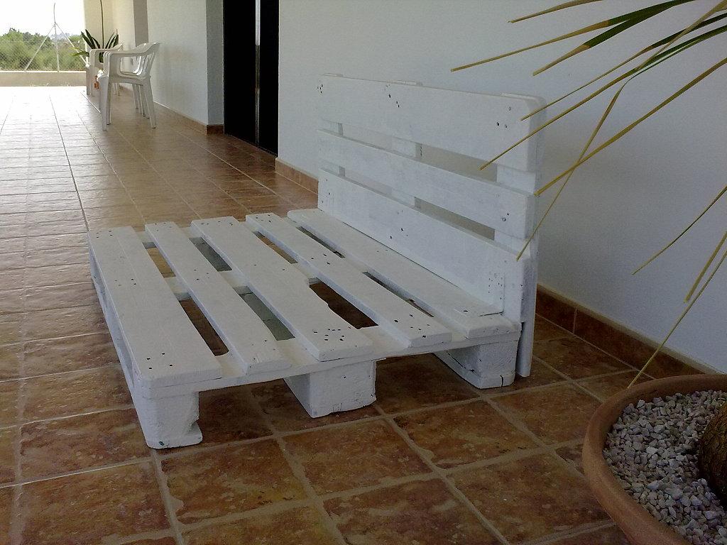 Muebles de pal para el jard n - Mesas de pale ...