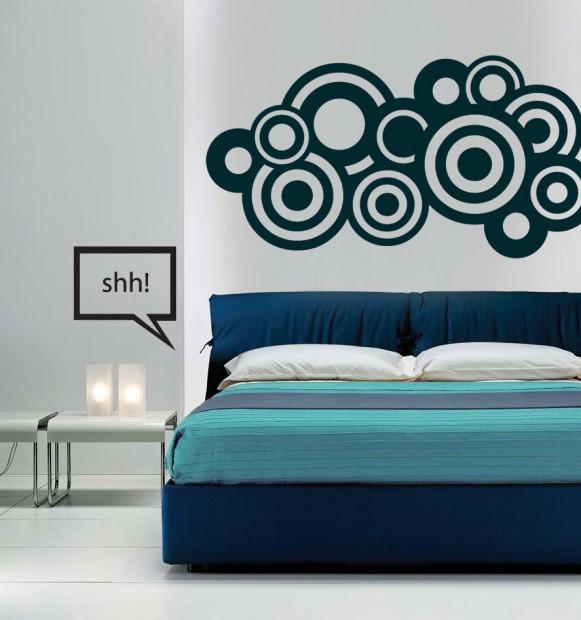 Estrategias decorativas en paredes.
