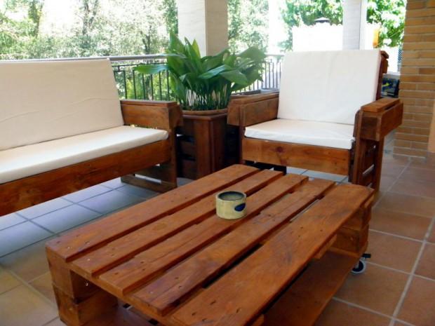 Muebles de jardin hechos con palé.